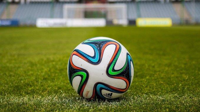 Футболисты устроили драку в Барнауле прямо во время матча