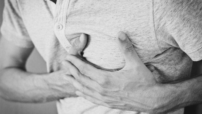 Кардиологи рассказали, как снизить риск сердечного приступа вдвое