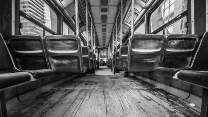 Забытое сало перепугало пассажиров барнаульского трамвая