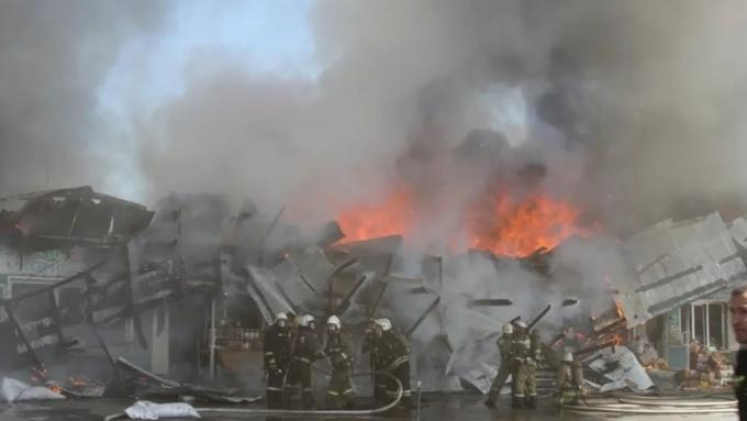 Такой день. Серьёзный пожар в Барнауле и сдутые батуты