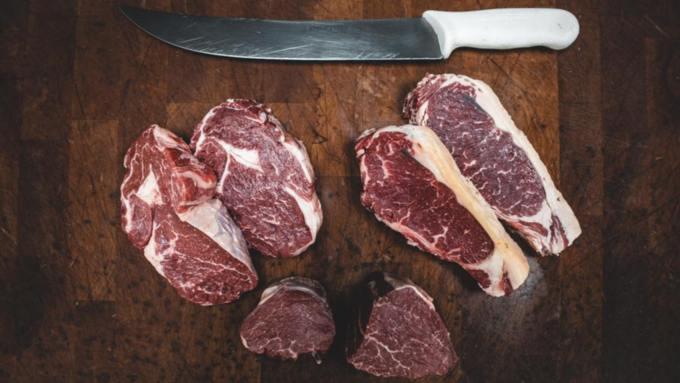 Врач перечислила продукты, с которыми нельзя сочетать мясо