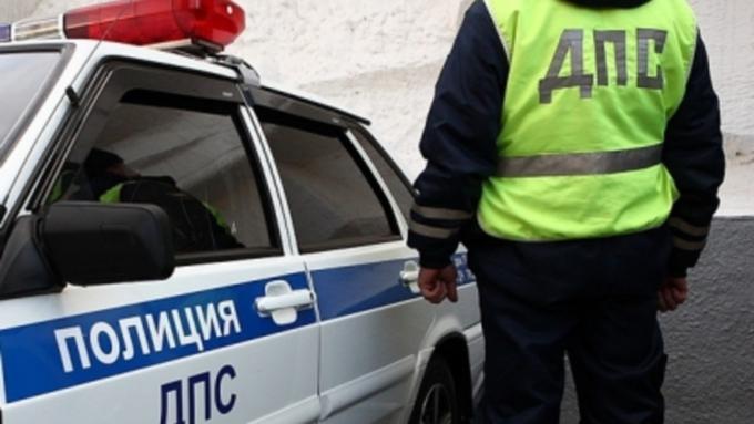 Иностранца осудят за попытку дачи взятки инспектору ДПС в Алтайском крае