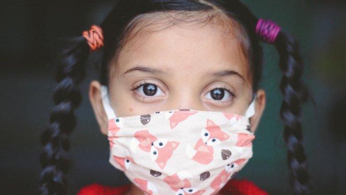 Главный внештатный эпидемиолог Минздрава призвал вакцинировать детей от COVID-19