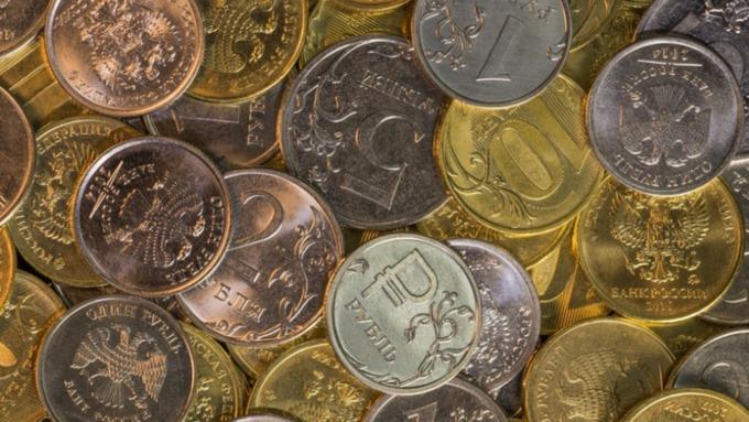 Власти защитили минимальный доход россиян от списания долгов