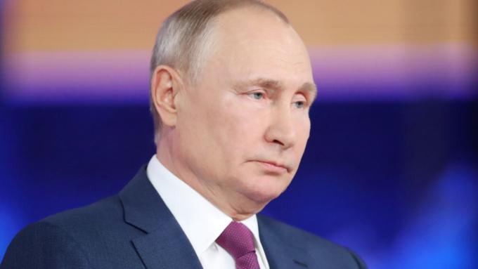 """""""Меня просили об этом не говорить"""": Путин рассказал, какой вакциной привился от COVID-19"""