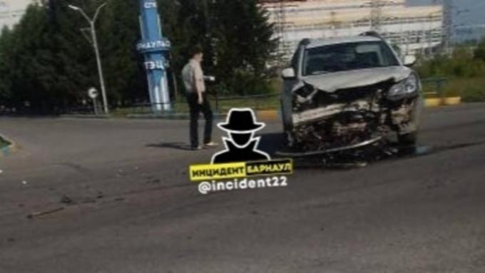 Серьезное ДТП произошло неподалеку от ТЭЦ-3 в Барнауле