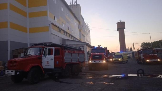 В Барнауле во время пожара в здании погибли два человека
