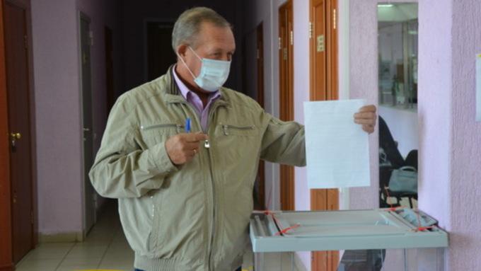 Без пеньков, но с интернетом: по каким правилам пройдут осенние выборы в Госдуму и АКЗС