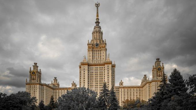 Вузы России начнут принимать абитуриентов по сертификатам