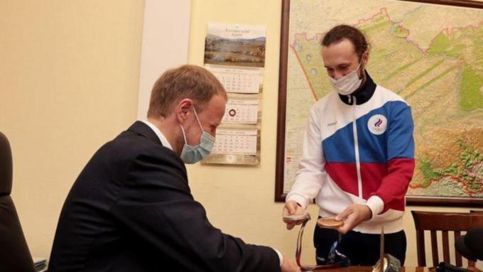 Глава алтайского Минспорта пообещал улучшить условия для тренировок стрелков в Бийске