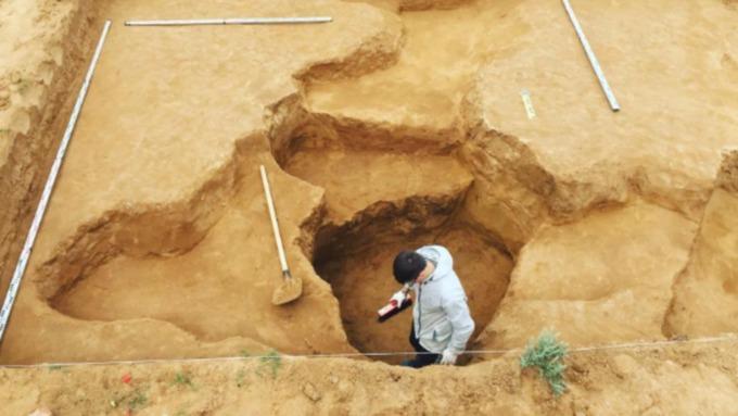 Археологи на Алтае обнаружили уникальный каменный нож