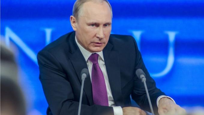 Путин подписал указ о единовременной выплате пенсионерам 10 тысяч рублей