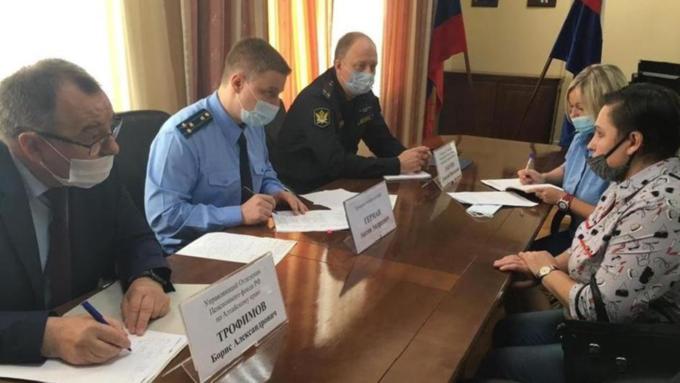 Девять жителей Алтайского края обратились к прокурорам по вопросам социальных выплат