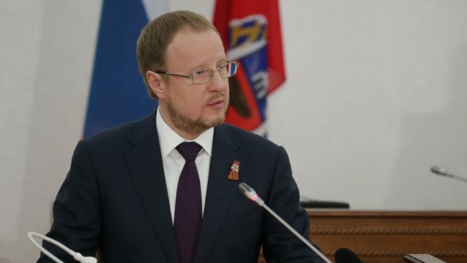 Виктор Томенко поблагодарил депутатов АКЗС за работу