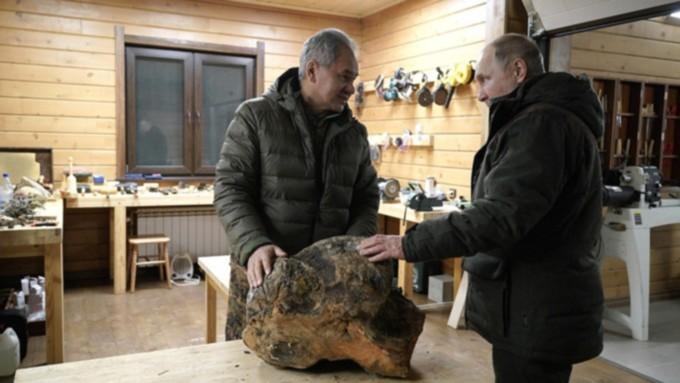 В Кремле допустили, что Путин обсуждал с Шойгу идею о новых городах в Сибири