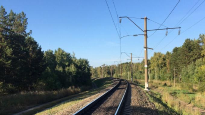Пьяный мужчина попал под поезд в Алтайском крае