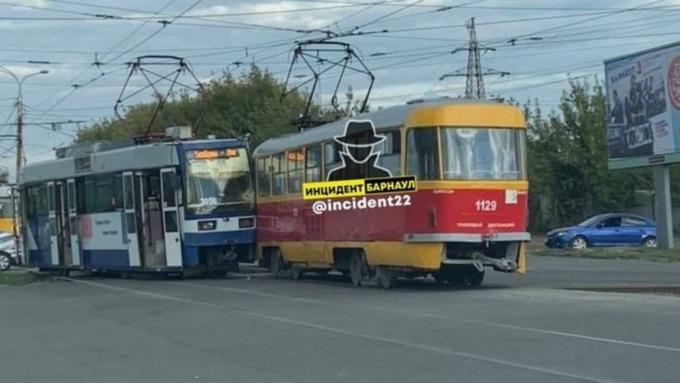 Два трамвая столкнулись в Барнауле