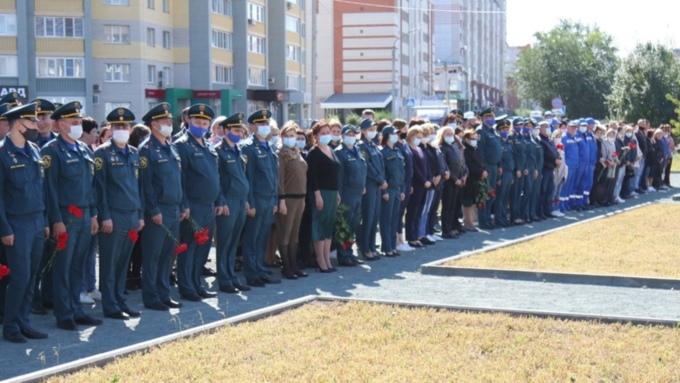 Алтайские спасатели почтили память погибшего главы МЧС Евгения Зиничева