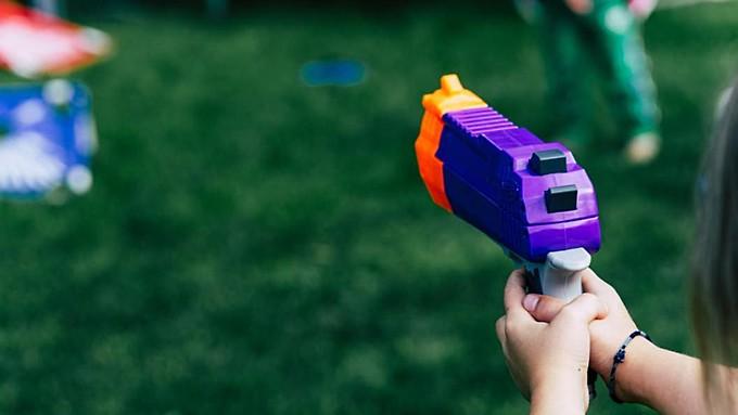Барнаулец ограбил ювелирный магазин на 700 тысяч рублей при помощи игрушечного пистолета