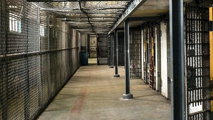 СК возбудил семь уголовных дел о пытках в российских колониях