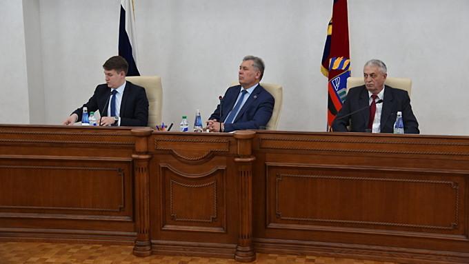 Не обеднеем. Алтайские депутаты на 30% увеличили число оплачиваемых ставок в Заксобрании