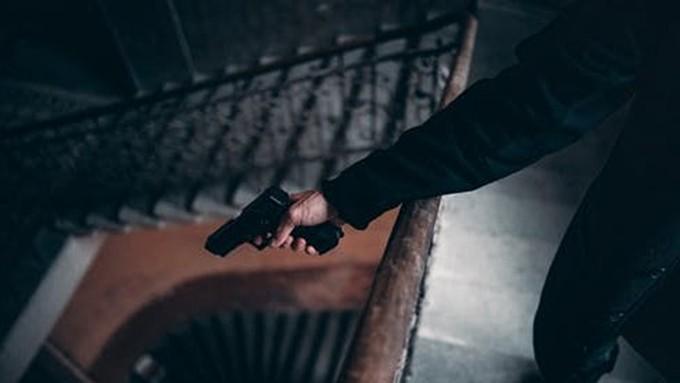 Новосибирский школьник в TikTok размахивал пистолетом и угрожал расправой второму классу