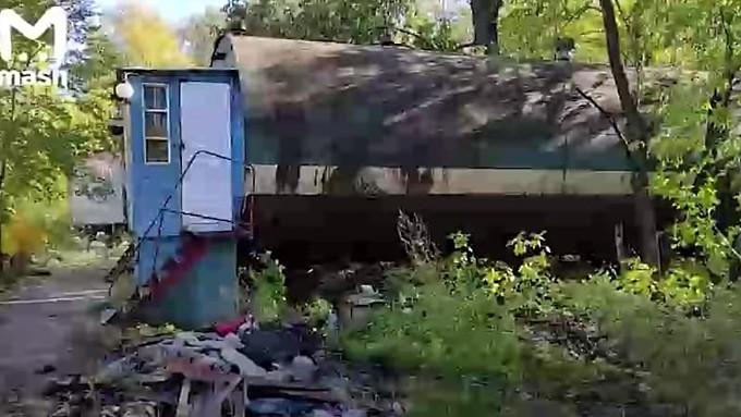 Сибирская пенсионерка 34 года живёт в ржавой бочке