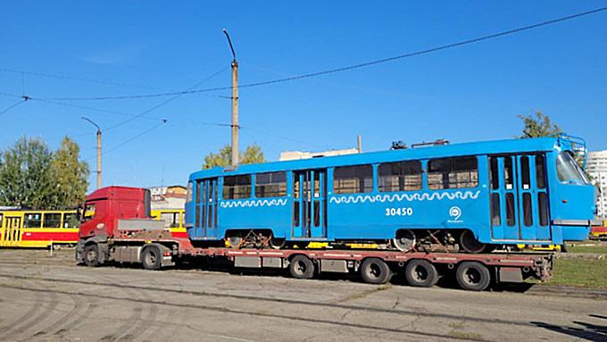 """Часть """"собянинских"""" трамваев, которые приехали в Барнаул, отправят в Бийск"""