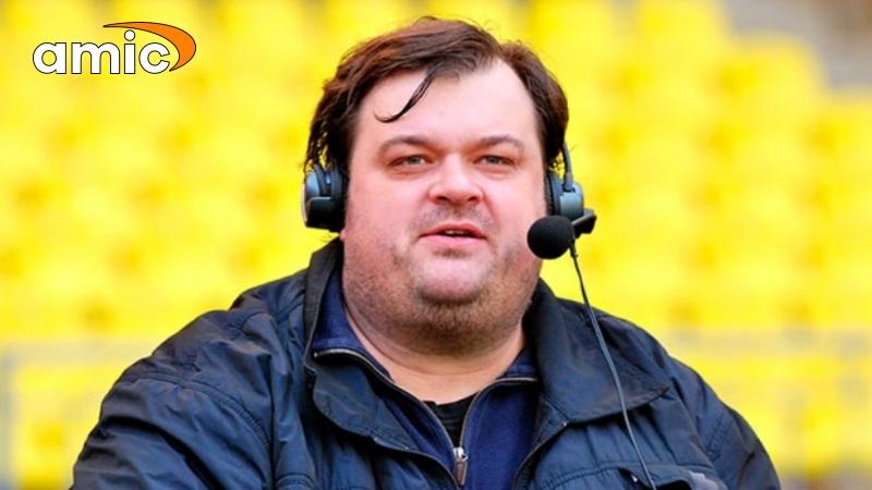 Василий Уткин грохнулся со стула в прямом эфире