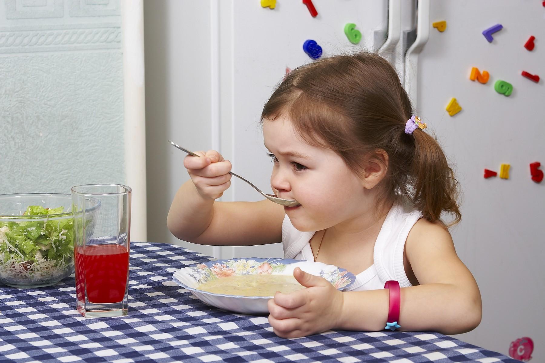 Картинки по запросу ребенок красиво кушает