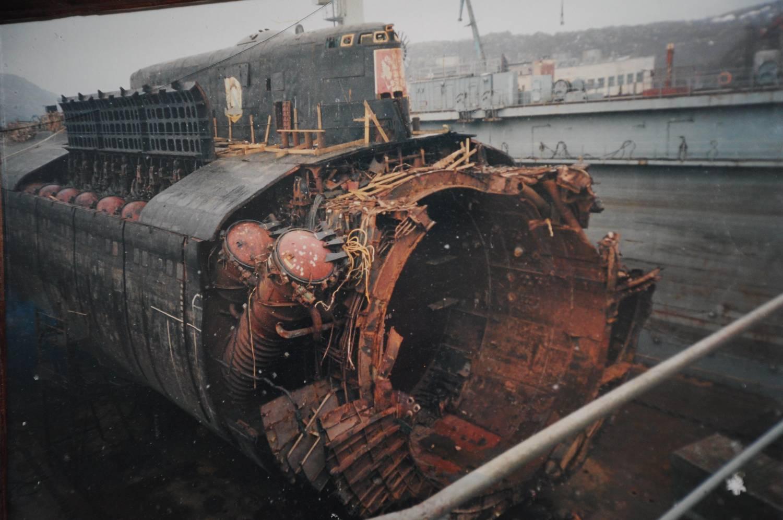 подводная лодка курск после взрыва фото