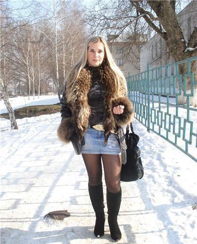 Девочки онлайн в мини юбках